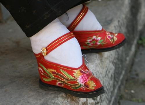 foot-binding-61